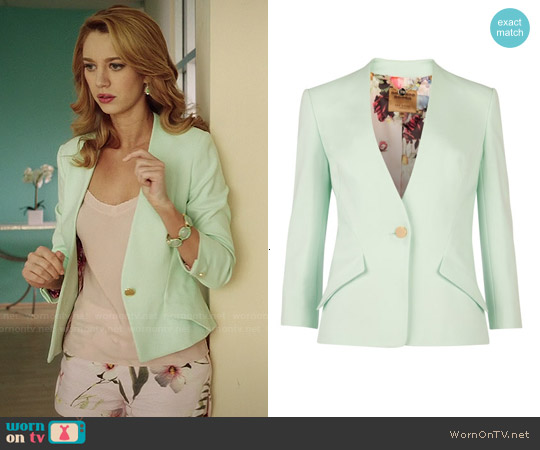 Ted Baker Ellsie Blazer worn by Yael Grobglas on Jane the Virgin