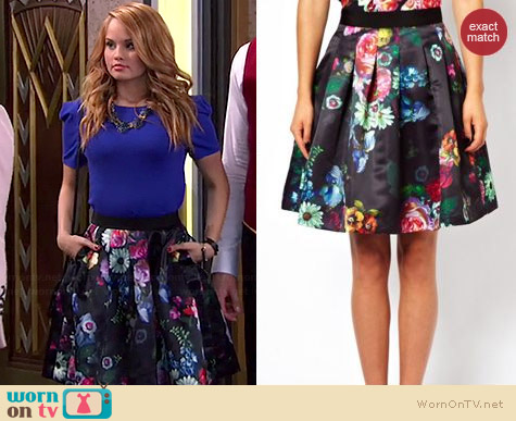 Wornontv Jessie S Black Floral Skirt And Blue Top On