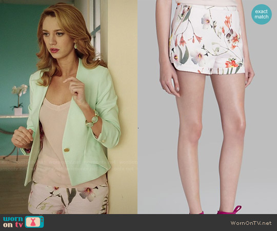 Ted Baker Sabele Botanical Bloom Print Shorts worn by Yael Grobglas on Jane the Virgin