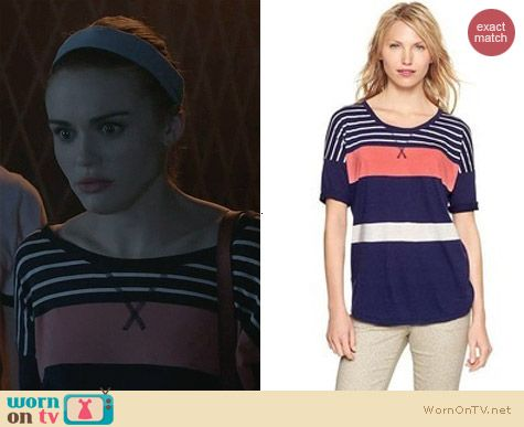 Fashion of Teen Wolf: Gap Colorblock Drop Sleeve T worn by Holland Roden