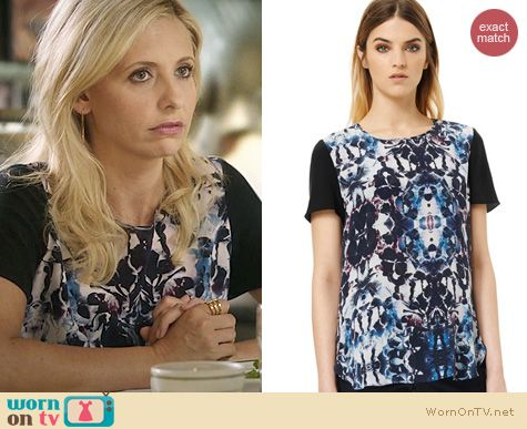 The Crazy Ones Fashion: Rebecca Taylor Silk Floral Blouse in Plum Combo worn by Sarah Michelle Gellar