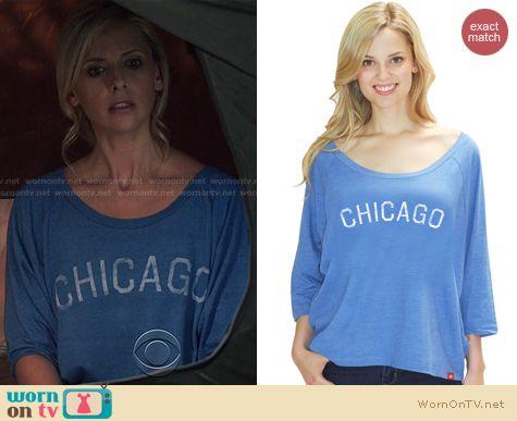 The Crazy Ones Fashion: Sportiqe Chicago Shirt worn by Sarah Michelle Gellar