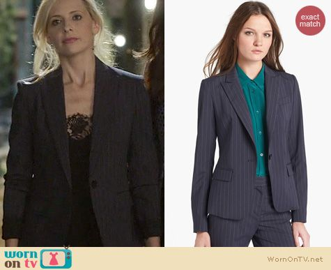 The Crazy Ones Fashion: Theory Gabe Blazer worn by Sarah Michelle Gellar