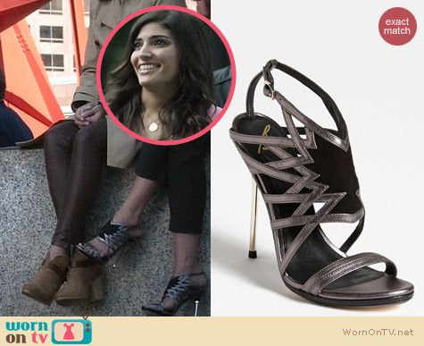 The Crazy Ones Shoes: Brian Atwood Marseille Sandals worn by Amanda Setton