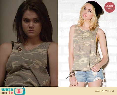 The Fosters Fashion: Forever 21 Destroyed camo muscle tee worn by Maia Mitchell