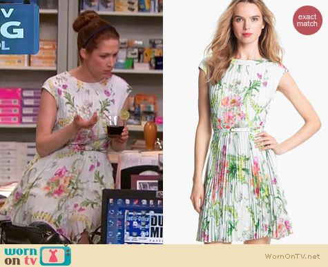 The Office Fashion: Ted Baker wallpaper pleated dress worn by Ellie Kemper