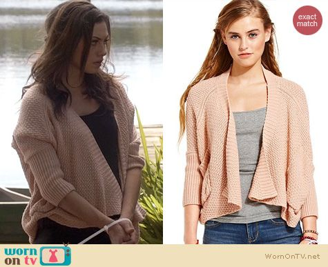 The Originals Fashion: American Rag Draped Sweater in Cameo Rose worn by Phoebe Tonkin