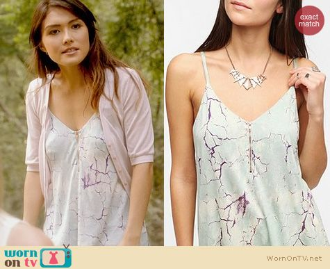 The Originals Fashion: Urban Outfitters Zip Cami by Silence and Noise worn by Daniella Pineda