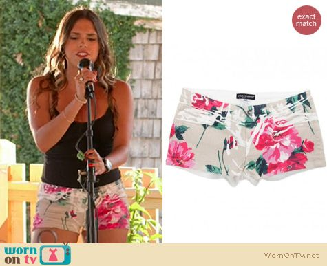 The Vineyard Fashion: Dolce & Gabbana Beige Floral Shorts worn by Sophi Alvarez