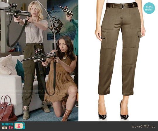 Theory Hannon Splendor Cargo Pants worn by January Jones on Last Man On Earth