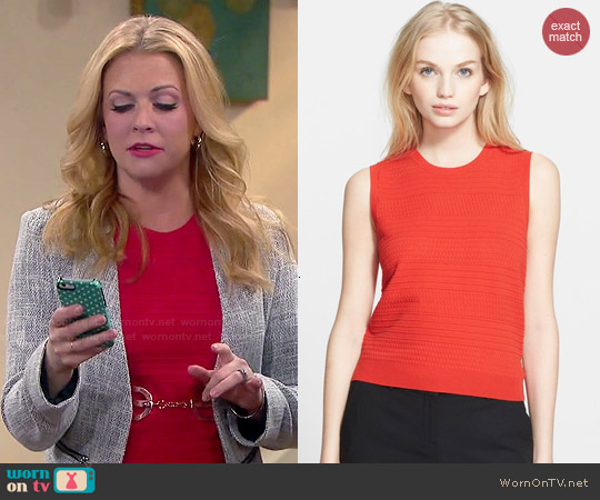 Theory Junjeen Top worn by Melissa Joan Hart on Melissa & Joey