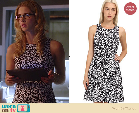 Theory Maydra Dress worn by Emily Bett Rickards on The Flash