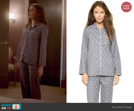 Three J NYC Jamie PJs in Grey Dot worn by Caitlin Snow on The Flash