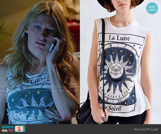 Title Unknown La Lune Foiled Muscle Tee worn by Jes Macallan on Mistresses