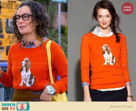 Tommy Hilfiger Orange Dog Graphic Sweater worn by Sara Gilbert on Bad Teacher