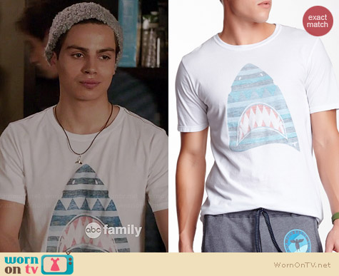 Topo Ranch Shark Tee worn by Jake Austin on The Fosters