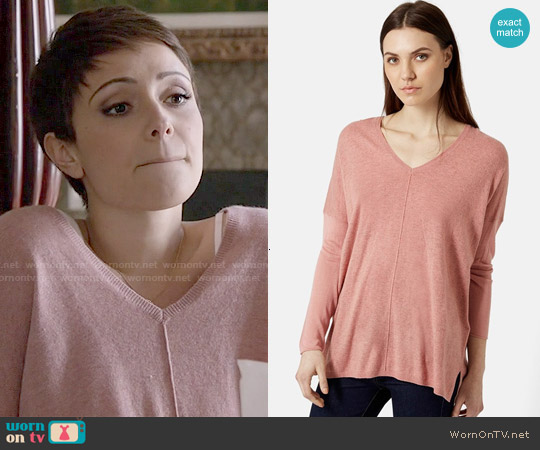 Topshop Front Seam V-neck Sweater worn by Italia Ricci on Chasing Life