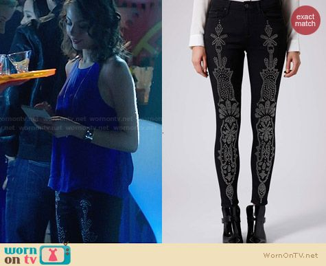 Topshop Moto Craft Embellished Leigh Jeans worn by Willa Holland on Arrow