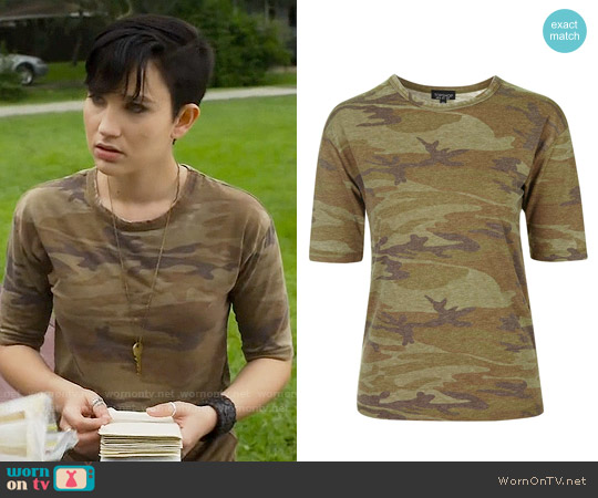 Topshop Camo Burnout Tee worn by Bex Taylor-Klaus on Scream