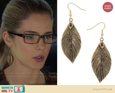 Topshop Engraved Leaf Drop Earrings worn by Emily Bett Rickards on Arrow