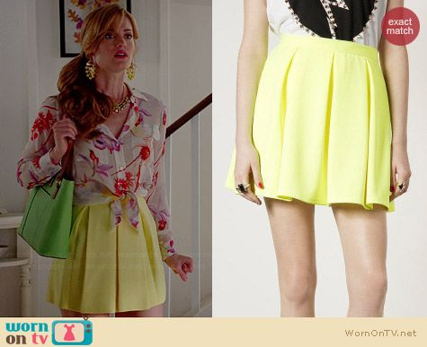 Topshop Fluro Yellow Pleated Skirt worn by Brooke D'Orsay on Royal Pains