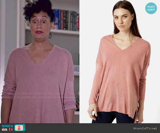 Topshop Front Seam V-neck Sweater in Dark Pink worn by Tracee Ellis Ross on Blackish