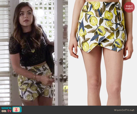 Topshop Lemon Print Skort worn by Lucy Hale on PLL
