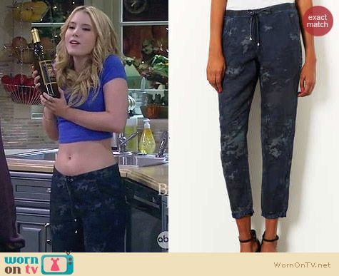 Topshop Moto Camo Print Tencel Joggers worn by Taylor Spreitler on Melissa & Joey