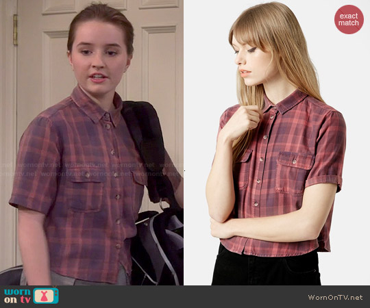 Topshop Moto Plaid Crop Shirt worn by Kaitlyn Dever on Last Man Standing