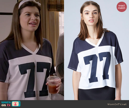 Topshop No. 77 Motif Tee worn by Casey Wilson on Marry Me
