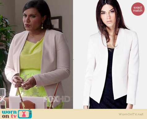 Topshop Open Front Blazer worn by Mindy Kaling on The Mindy Project