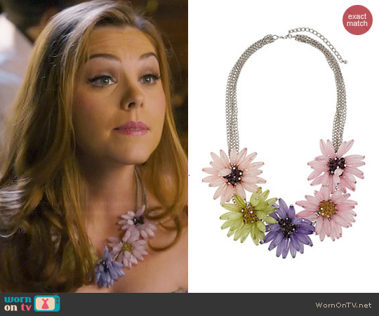 Topshop Oversized Flower Collar Necklace worn by AnnaBeth Nass on Hart of Dixie