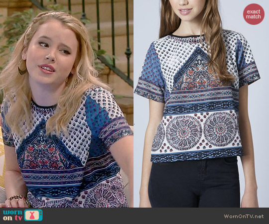Topshop Scarf Placement Print Tee worn by Taylor Spreitler on Melissa & Joey