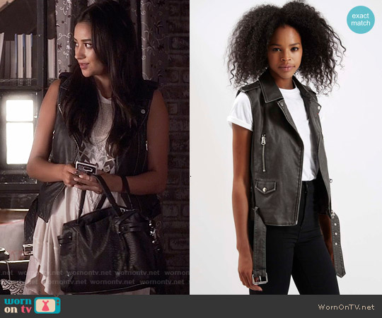 Topshop Sleeveless Faux Leather Biker Jacket worn by Emily Fields on PLL