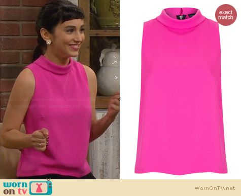 Topshop Sleeveless Roll Neck Shell worn by Molly Ephraim on Last Man Standing