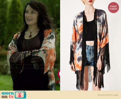 Topshop Tie Dye Tassel Kimono worn by Madchen Amick on Witches of East End