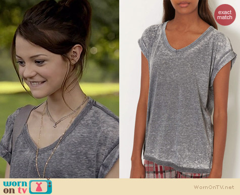 Topshop V-neck Burnout Tee worn by Kathryn Prescott on Finding Carter