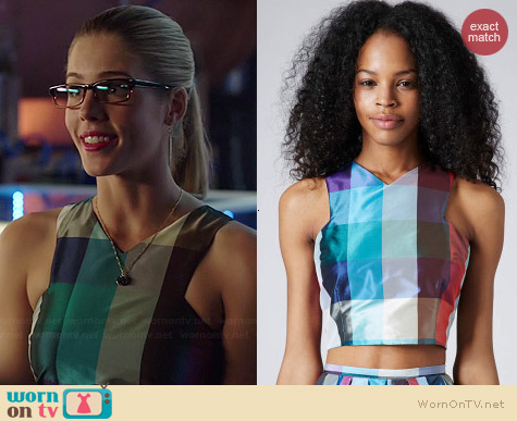 Topshop V-neck Cutaway Check Crop Top worn by Emily Bett Rickards on Arrow