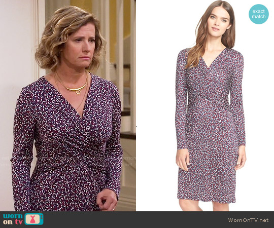 Tory Burch Twist Print Silk Dress in Red Agate Confetti worn by Nancy Travis on Last Man Standing