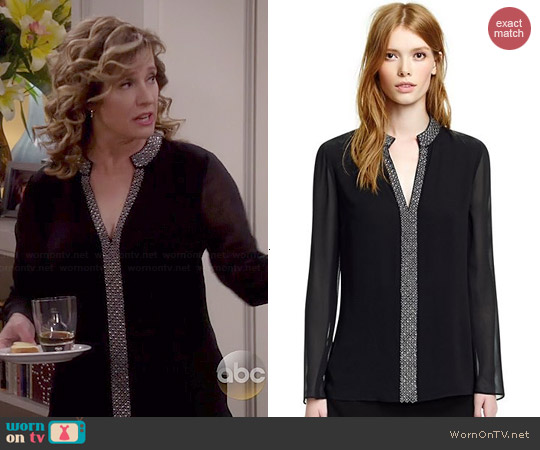 Tory Burch Lynn Tunic worn by Nancy Travis on Last Man Standing