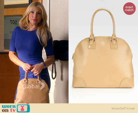 Tory Burch Robinson Dome Satchel in Sand worn by Ari Graynor on Bad Teacher