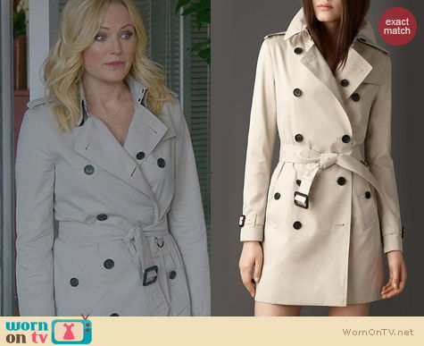 Fashion of Trophy Wife: Burberry Mid Length Cotton Trench worn by Malin Akerman