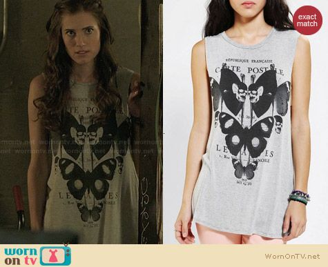 Truly Madly Deeply Garden Muscle Tee worn by Allison Williams on Girls
