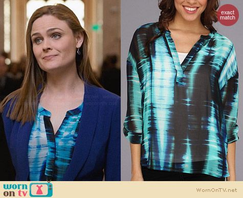 TWO by Vince Camuto Colorful Streaks Top worn by Emily Deschanel on Bones