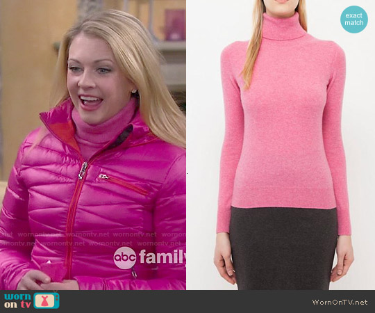 Uniqlo Cashmere Turtle Neck worn by  Melanie Burke on Melissa & Joey