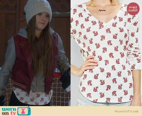 Urban Outfitters BDG Fox Printed Winterlite Tee worn by Kaitlyn Dever on Last Man Standing
