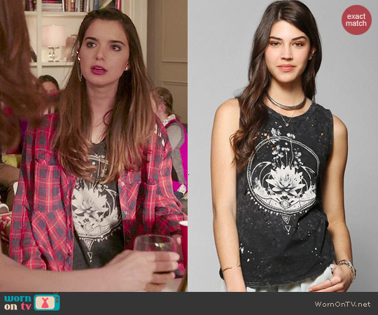 Urban Outfitters Black Moon and Flowers Tee worn by Dylan Gelula on Unbreakable Kimmy Schmidt