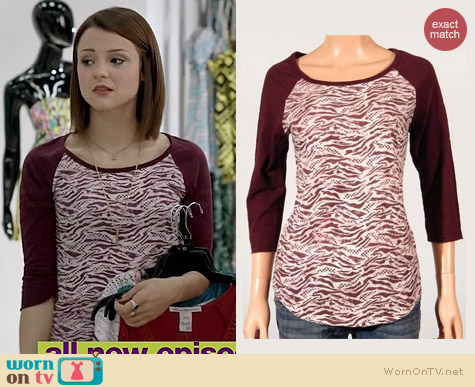 Vans Animal Raglan Tee worn by Kathryn Prescott on Finding Carter