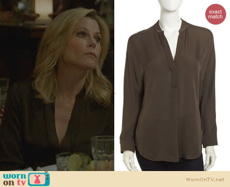 Vince Silk Placket Tunic in Forge worn by Julie Bowen on Modern Family