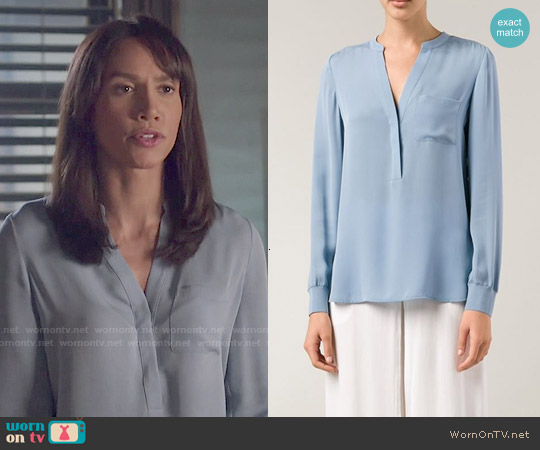 Vince Split Neck Tunic Top worn by Nina Lisandrello on Beauty & the Beast